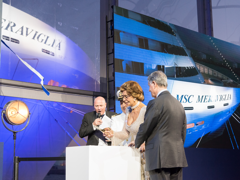 godmother-sophia-loren-cuts-the-ribbon-with-msc-group-executive-chairman-gianluigi-aponte_5.jpeg