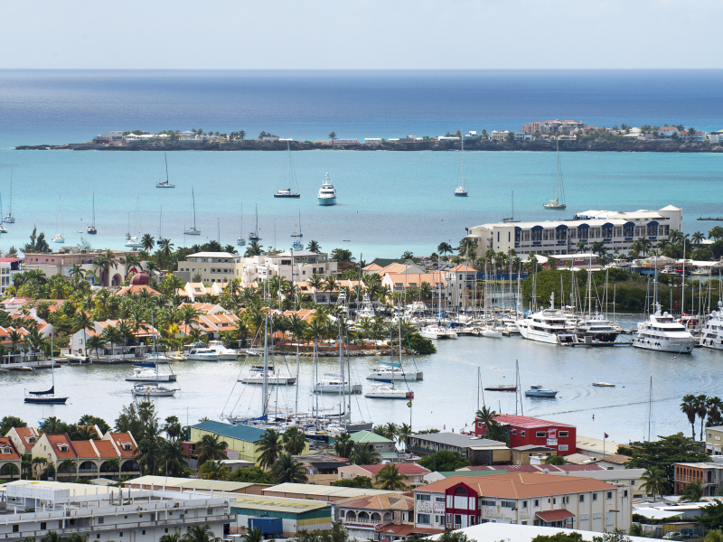 guests-will-head-out-to-a-breathtaking-scenic-drive-in-philipsburg-st-maarten-in-total-comfort-of-an-easy-accessible-tour_5.jpeg