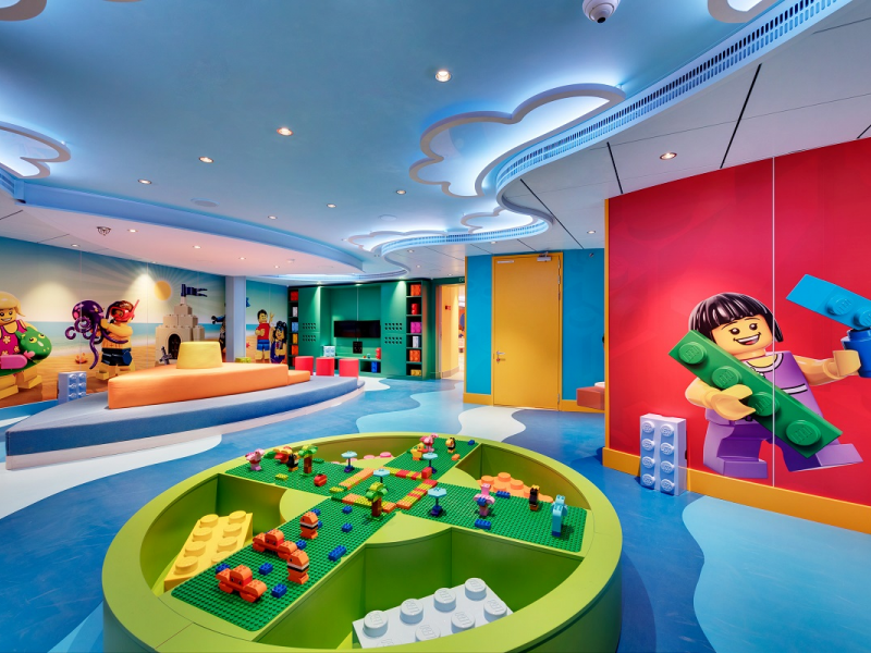 lego-island-themed-room-for-kids-3-6_3.jpeg
