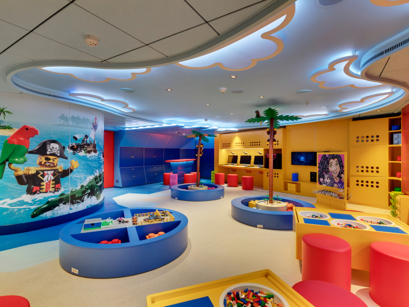 lego-pirate-themed-room-for-kids-7-11_3.jpeg