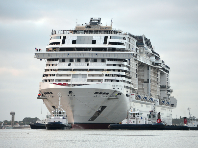 msc-bellissima-is-floated-out-and-moved-to-the-new-dock-1.jpeg