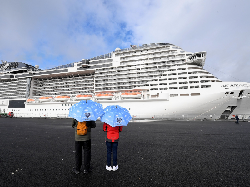 msc-meraviglia-the-largest-ever-cruise-ship-to-visit-belfast-2.jpeg