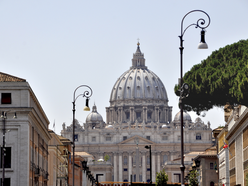 starting-at-the-heart-of-europe-will-allow-guests-to-see-the-vatican-italy.jpeg